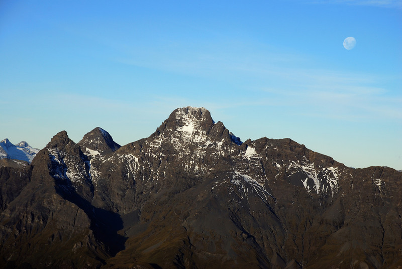 Pluto Peak, O'Leary Peak and Mt Earnslaw West Peak from the summit of Somnus