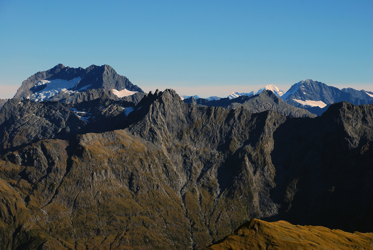 Looking south-west from the top of Mt Franklin. From left to right are Mt Alba, Mt Attica, Trident Peak exactly in front of Mt Aspiring, Mt Pollux and Mt Castor (the two summits nearly in front of each other)