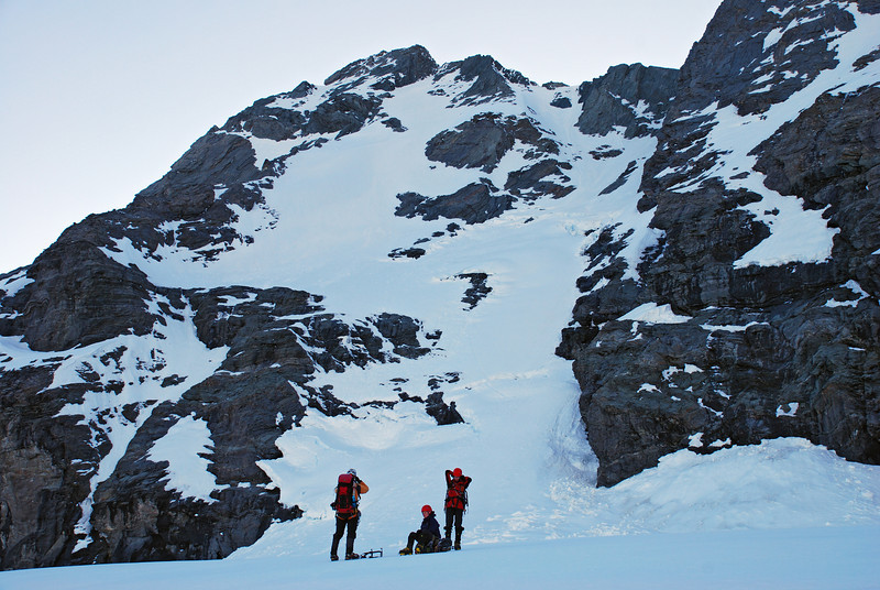 Rob Roy Peak west face. Our route follows the couloir to the right of centre image.