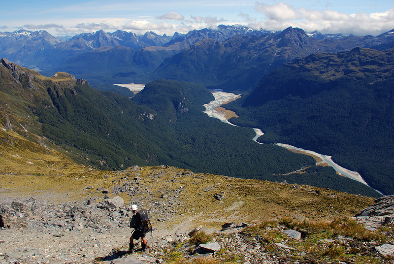 Descending towards Surveyor Spur. The Dart River and Chinamans Bluff below.