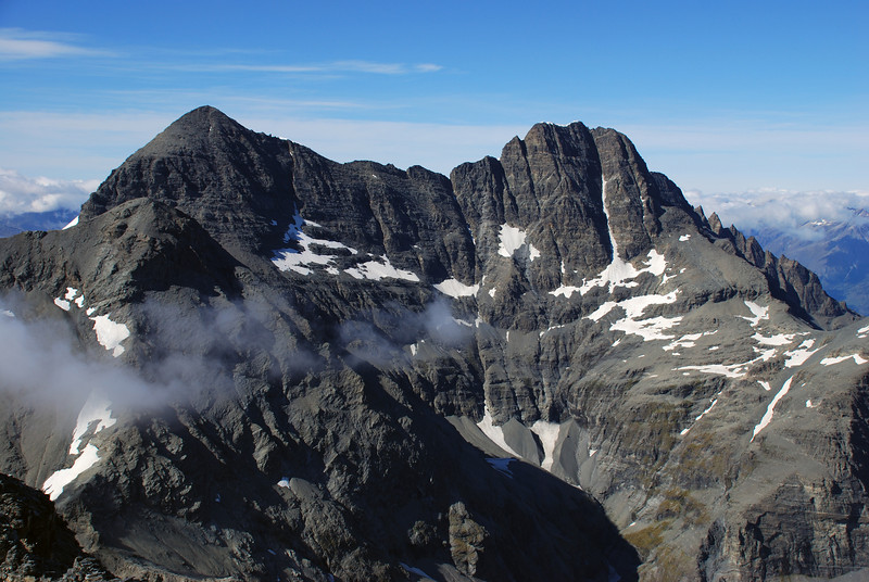 O'Leary Peak (front left) and Mt Earnslaw from Sir William Peak.