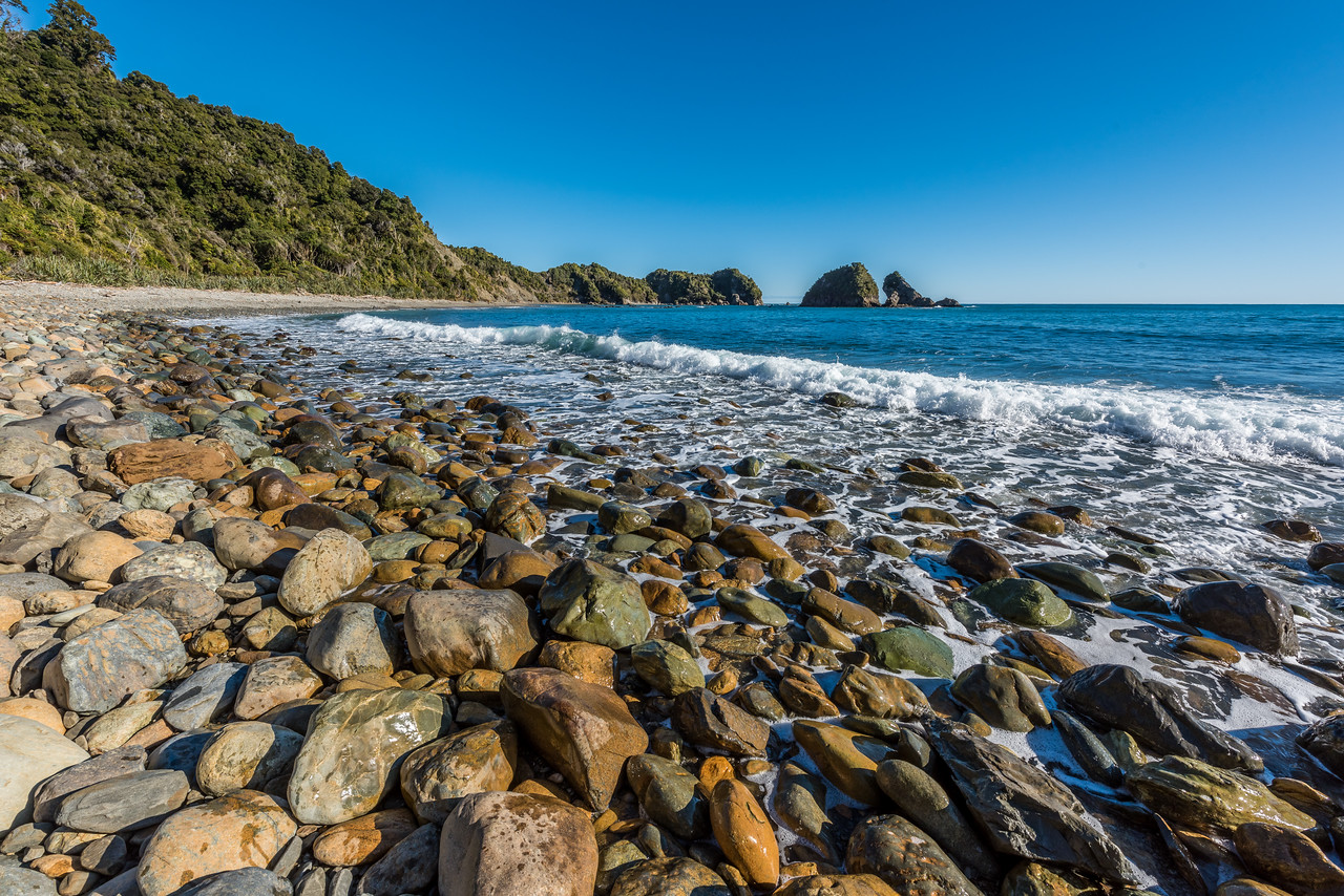 On the coastline between Smoothwater Bay and Homminy Cove.