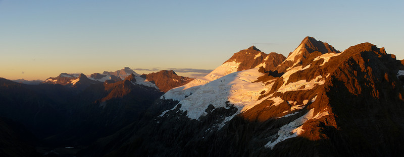Panorama from the summit of Leda Peak. Mt Aspiring, Pollux and Castor at sunrise