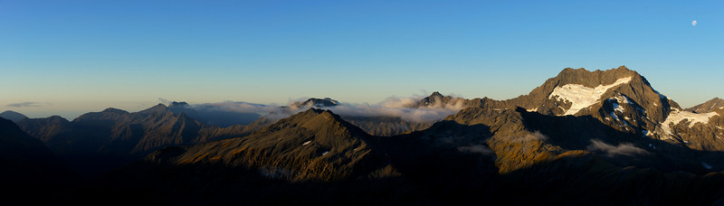Selborne Range panorama from the east shoulder of Leda Peak