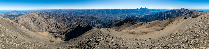 180° panorama from the summit of Manakau, stretching from Banks Peninsula on the far left to Cape Palliser on the far right. The Clarence River crosses much of the image from left to right, with the high peaks of the Inland Kaikoura Range behind. Te ao Whekere stands out on the right.