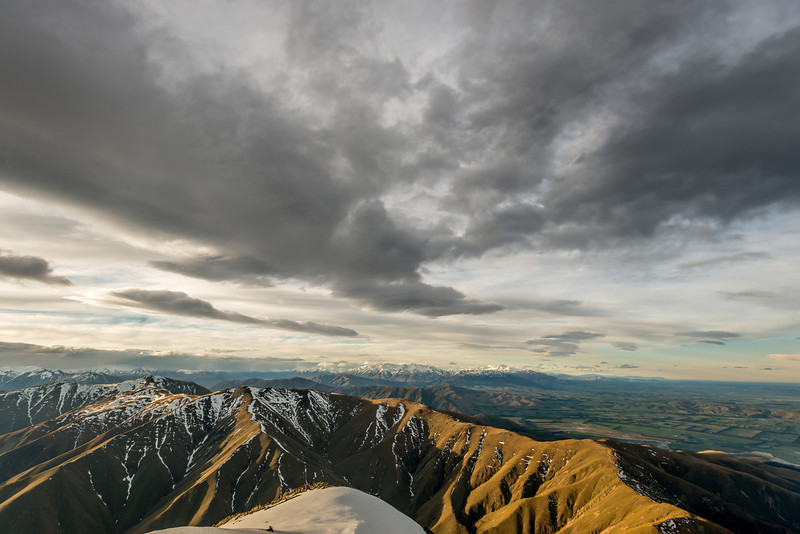 Tara Haoa Range (in the foreground), Mount Somers Range and Mount Hutt Range from the summit of Mount Peel