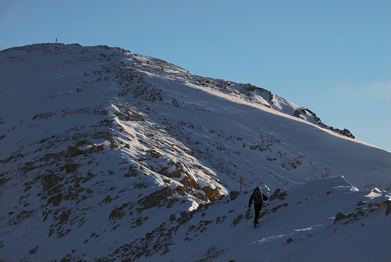 Approaching the summit of Mt Somers