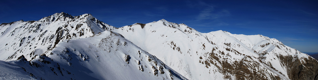 On the west ridge of peak 2281m. Mt Taylor at the centre of the image