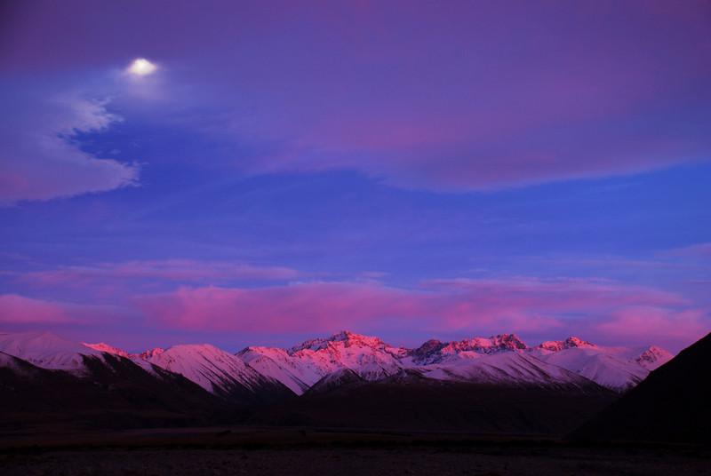 Arrowsmith Range at dawn