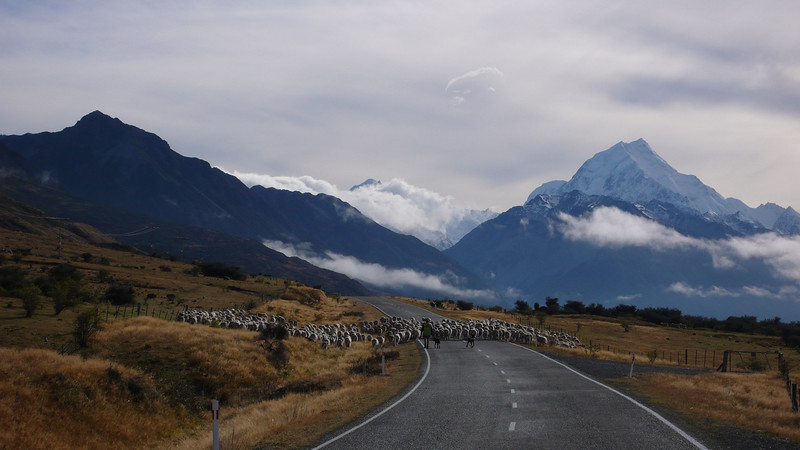 Mt Cook seen from the road