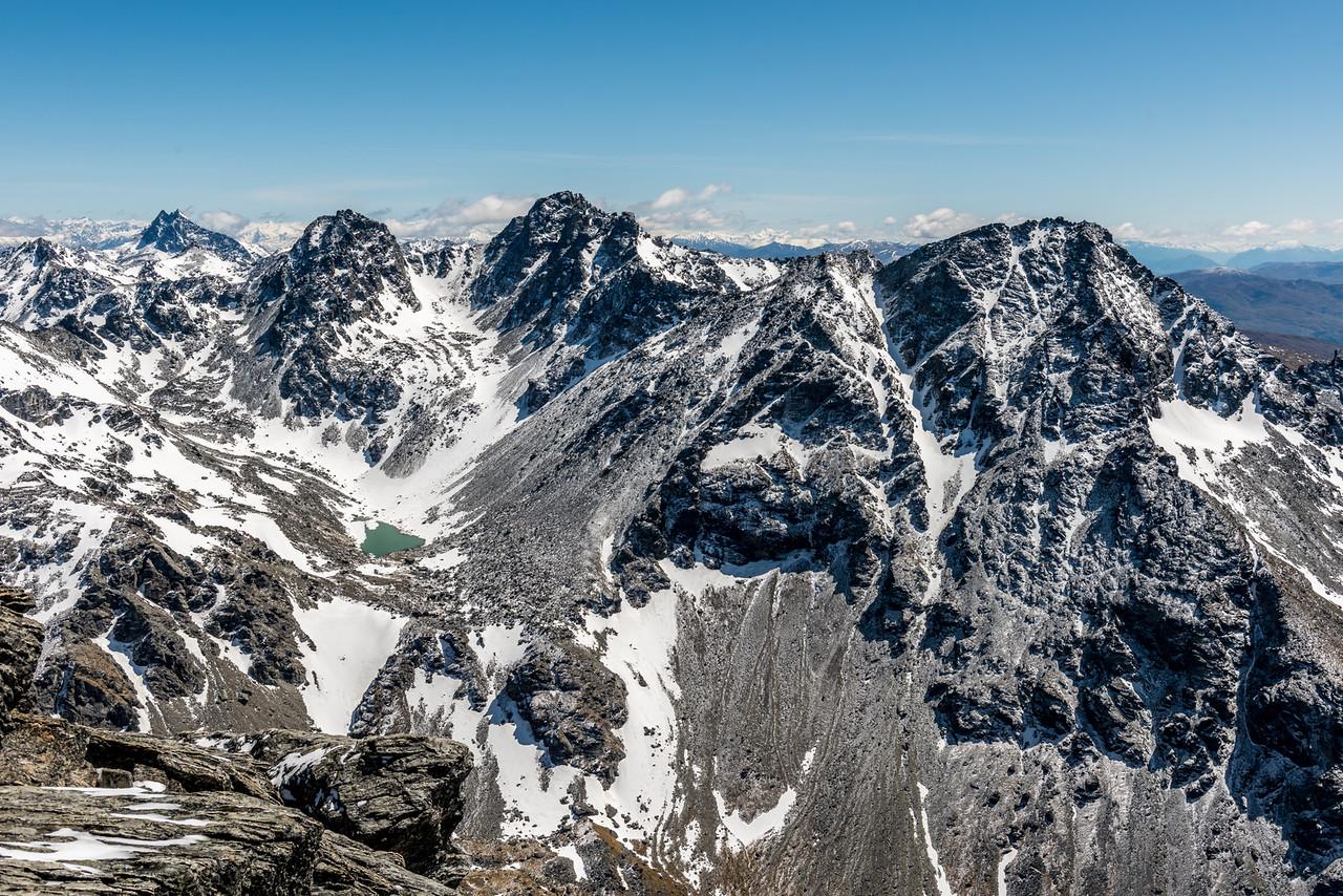 View of the Remarkables, Mount Tuwhakaroria and Te Kārearea Peak from the summit of Ben Nevis.