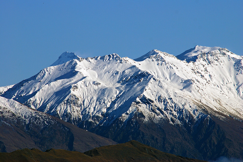 Mount Aspiring and Mount Alta from point 1046m at the head of Deep Gully