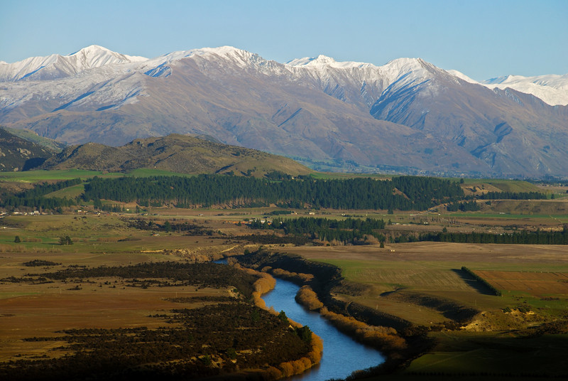 Clutha River, Mount Alpha and Roys Peak from the Grandview Track