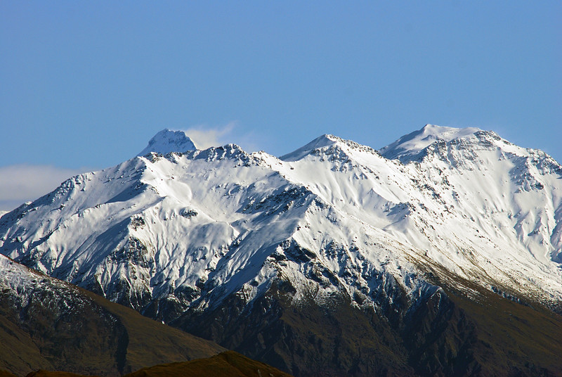Mount Aspiring and Mount Alta from the first of the two locations. Mount Aspiring hardly stands out as a lofty conical peak, and is at the head of Lake Wanaka, not Lake Hawea. From the second location, Aspiring is hidden behind Mt Alta and not at all visible.