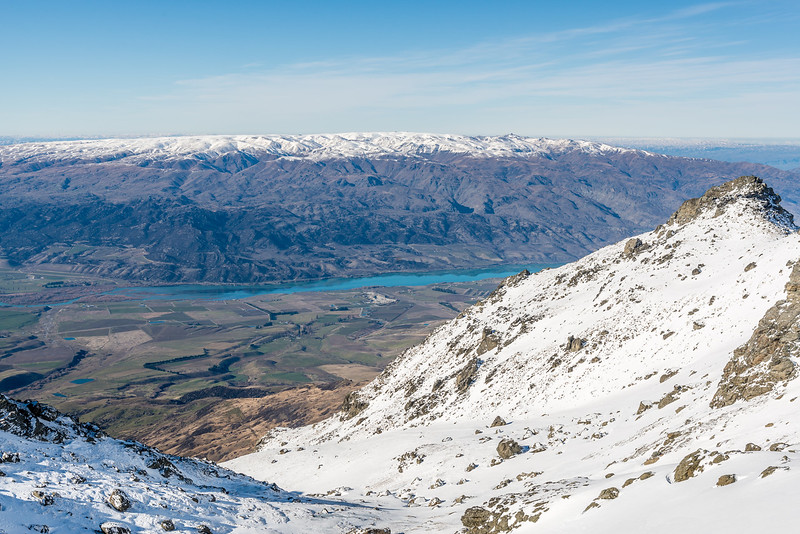 View from Sallys Pinch: Lake Dunstan and the Dunstan Mountains