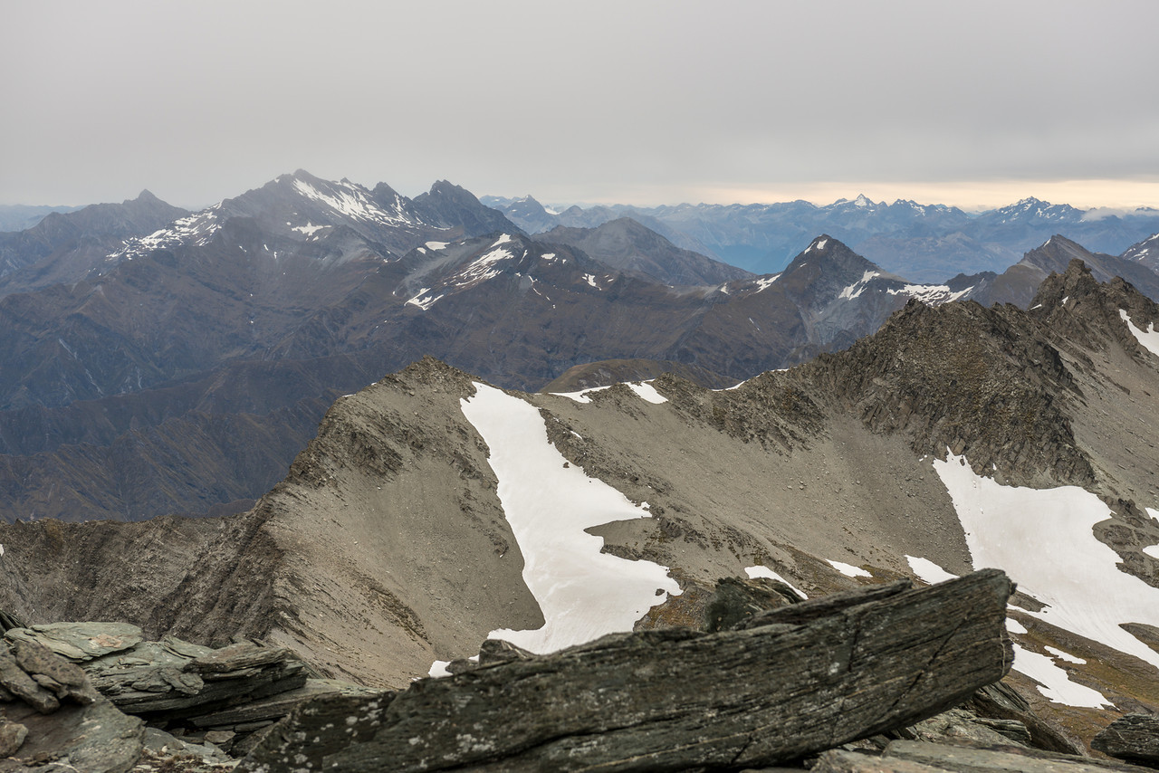 View to the south-west from Mt Aurum. Major Peak and Mount Larkins are on the left. Mount Buck is right of centre image; Moffat Peak and the David Peaks (Livingstone Mountains) stand out on the right skyline