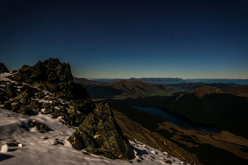 View from our campsite on Pt 1590m south of Mt Campbell: South Mavora Lake and Takitimu Mountains (in the far back)