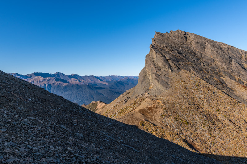 Pt 1468m south of Annick Peak, Earl Mountains