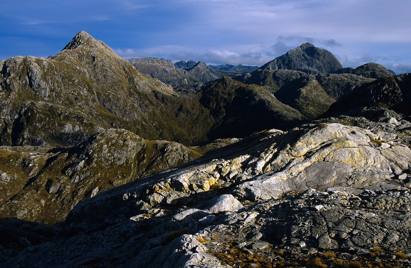 Looking south from peak 1302m above Robin Saddle. Unnamed peaks m1474 (left) and m1694 (right)