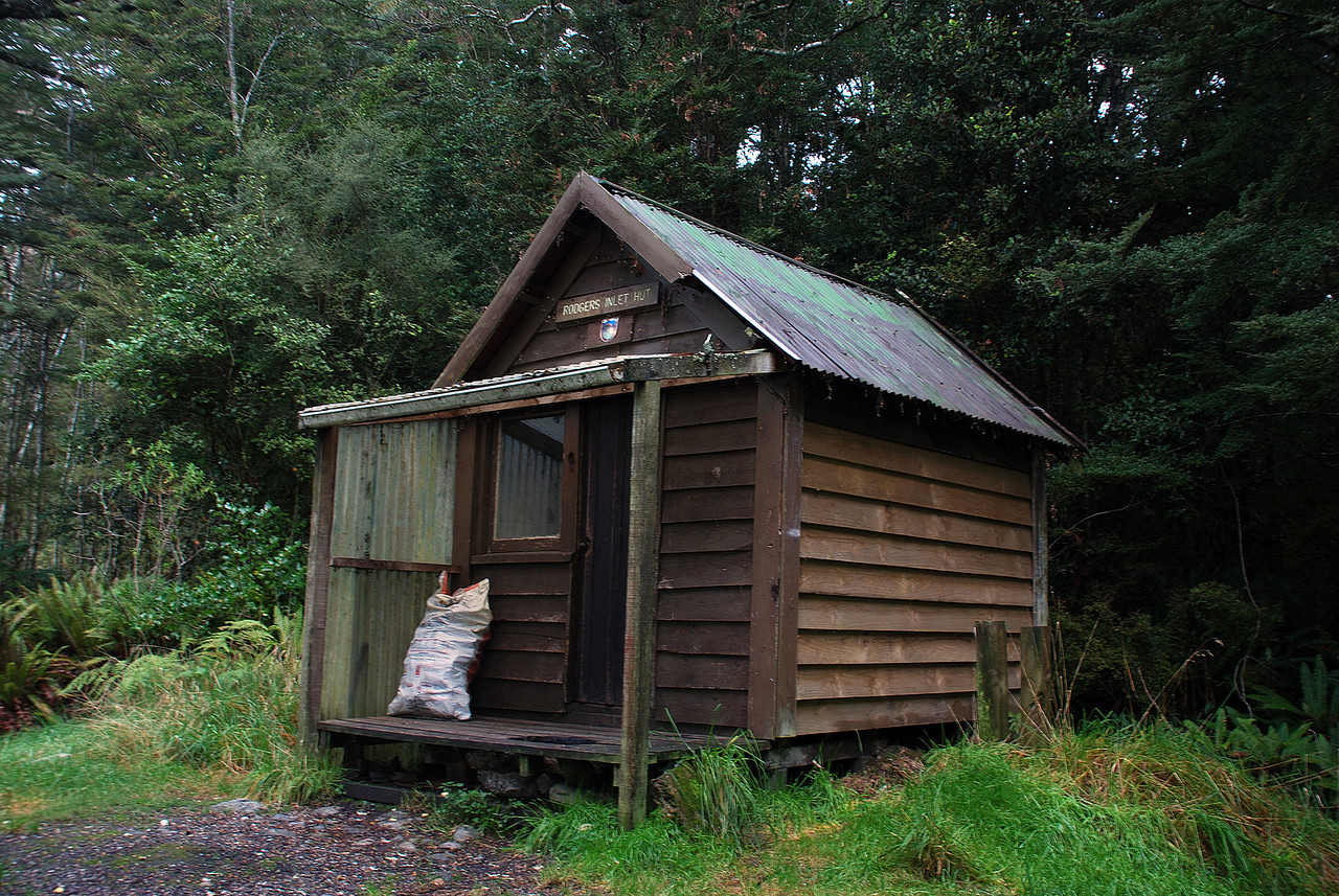 The old Rodger Inlet Hut, Lake Monowai