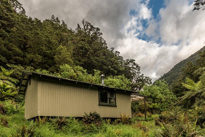 Kintail Hut, Dusky Track