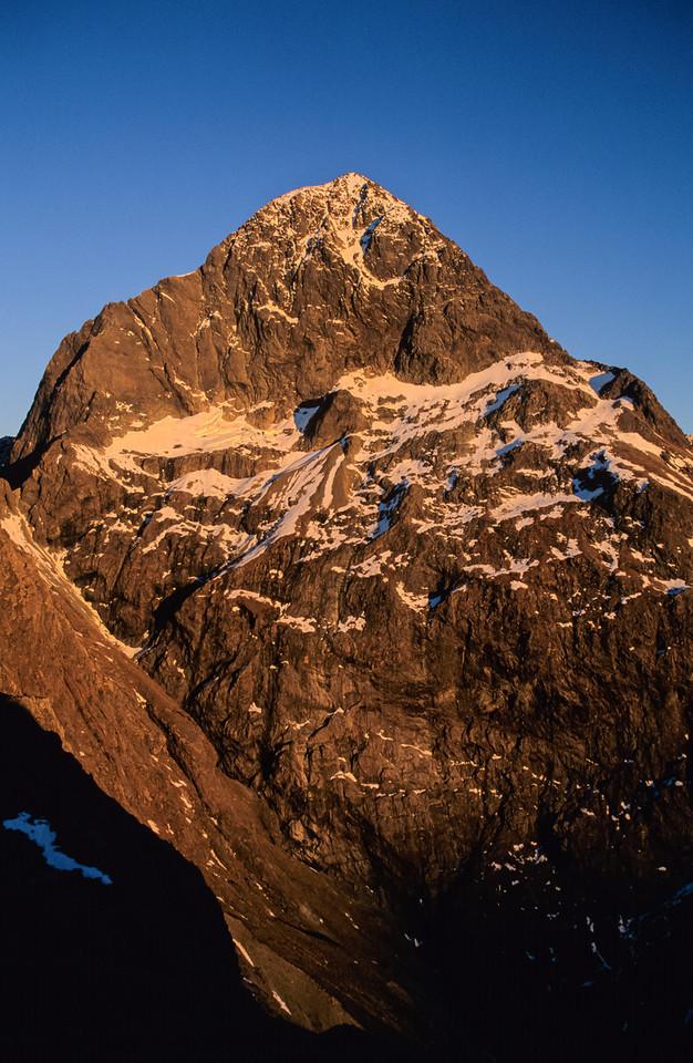 Ngatimamoe Peak from the east