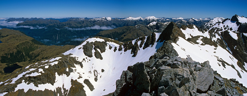 Panorama from Tamatea Peak. Lake Horizon is at the left edge of the image; the Merrie Range to the right