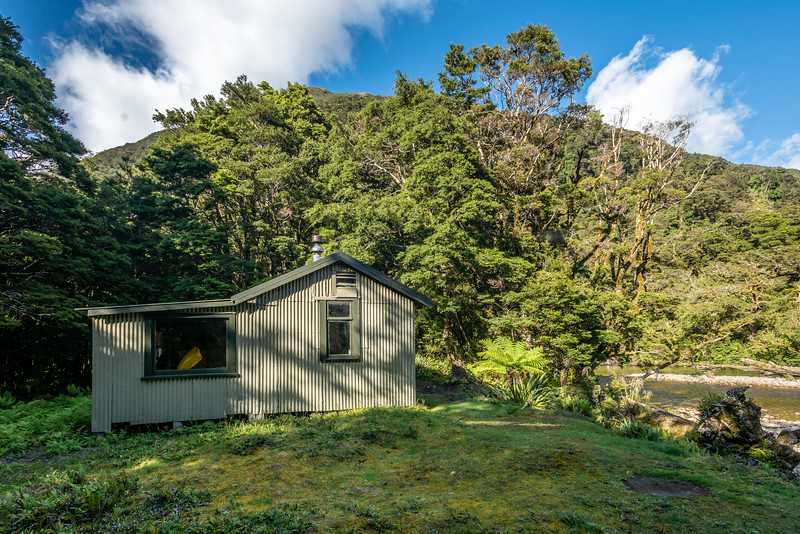 Lake Hankinson Hut. George Sound Route, Fiordland National Park.