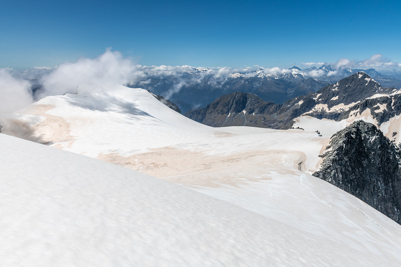 Ngapunatoru Ice Plateau from Paranui Peak. Mount Parariki is in cloud on the left; Alice Peak is on the far right.