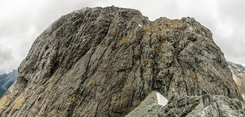 The 100m high band of bluffs at 1700m of elevation on the west ridge of Jean Batter Peak