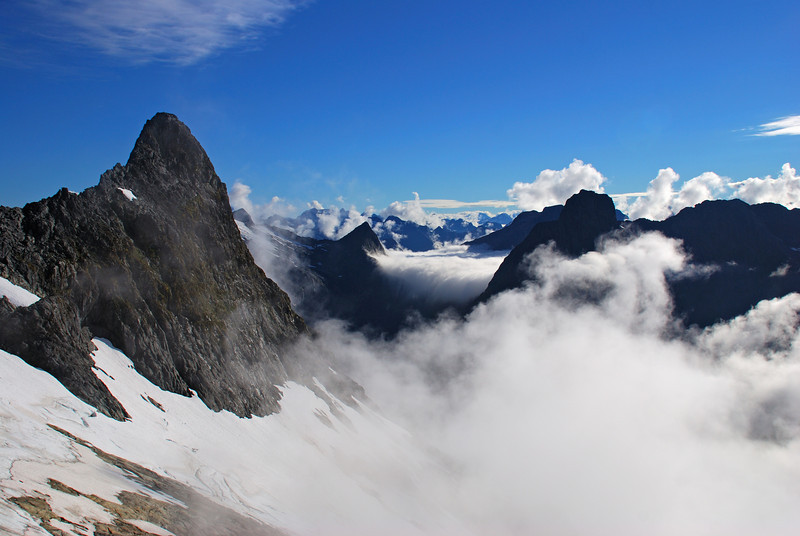Mt Hart (left) and Mt Balloon (silhouetted to the right) from the south ridge of Aiguille Rouge