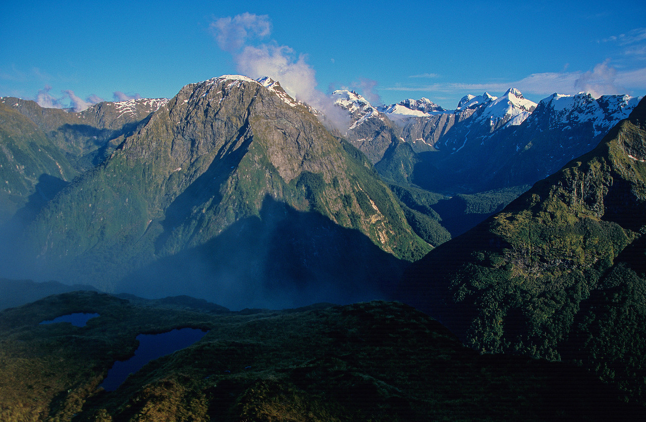 Mount Pillans and the Green Valley from MacKinnon Pass