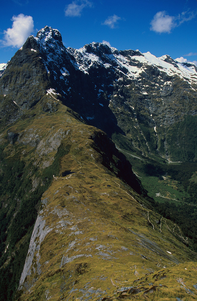 MacKinnon Pass and Mount Balloon