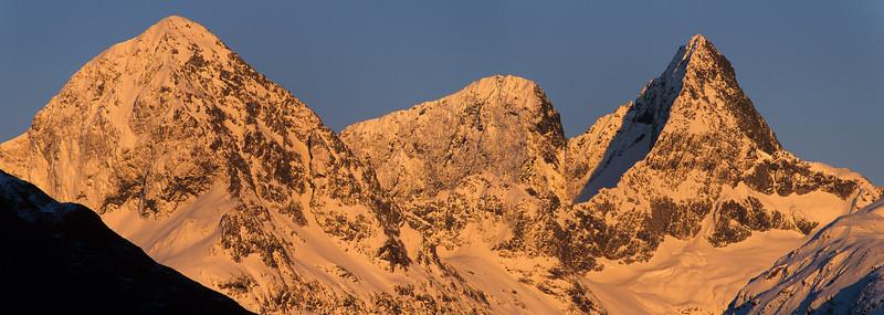 Ngatimamoe Peak, Flat Top Peak and Pyramid Peak from Key Summit