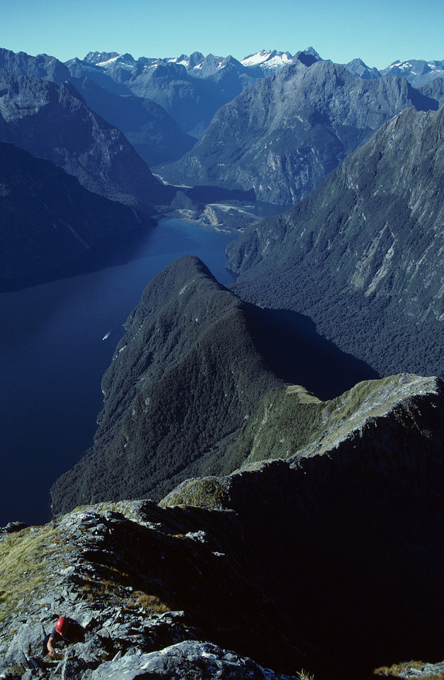 Up high above Milford Sound - scrambling on Mitre Peak's south-east ridge