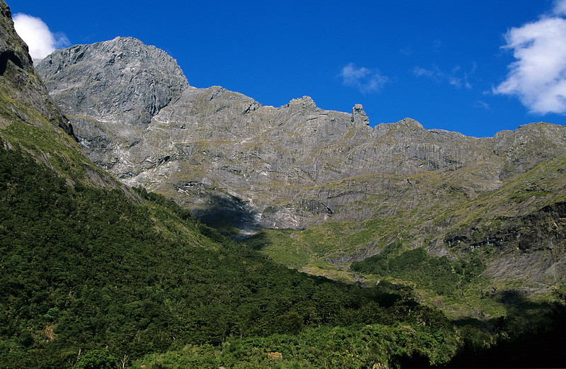 The head of the Esperance Valley, with Grave-Talbot Pass at centre image