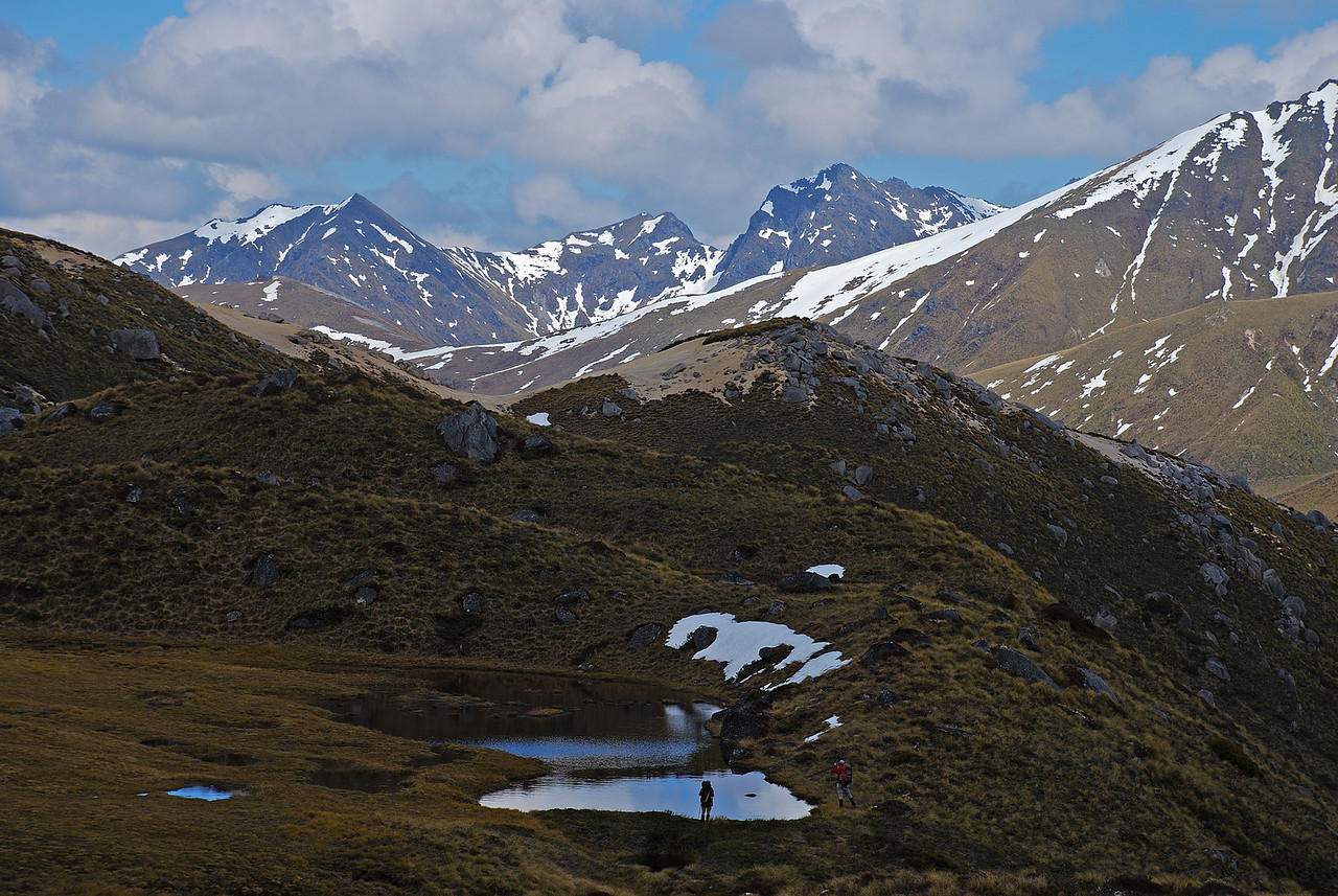 In the basin west of Mount Titiroa