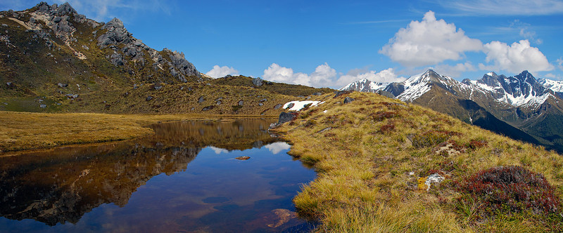 Tarn in the basin west of Mount Titiroa