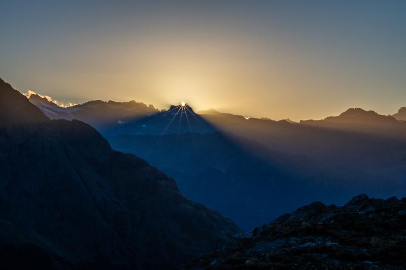 Mount Head and Sir William Peak at sunrise. Skippers Range, Fiordland National Park.