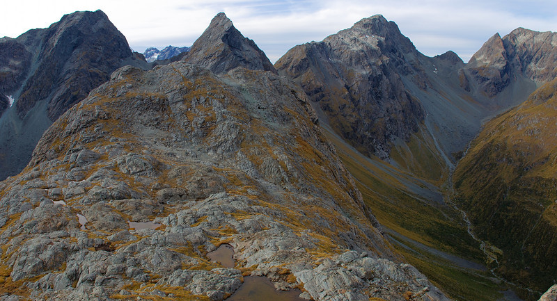 F-Knob, Emily Peak and unnamed peaks 1952m and 1920m at the head of Fraser Creek