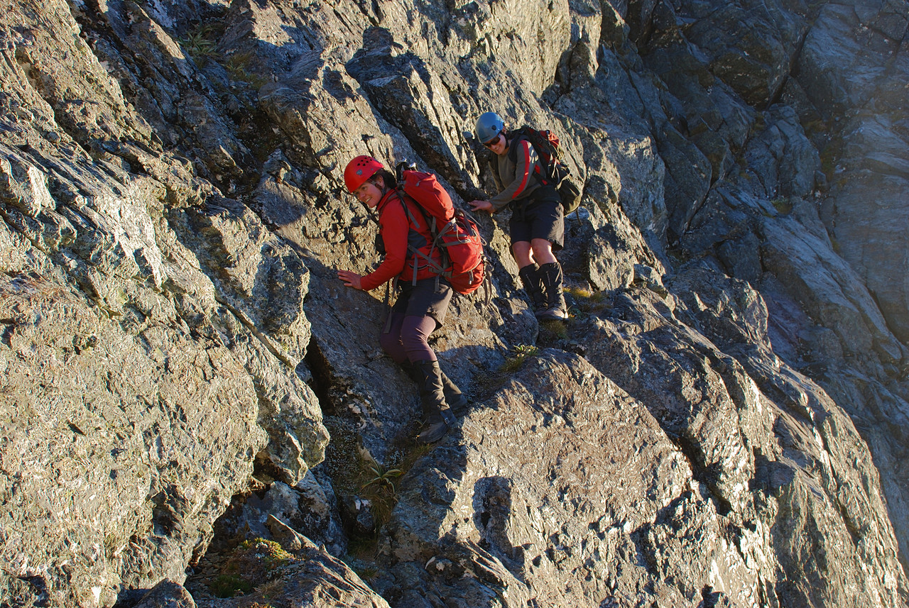 Descent off unnamed peak 1945m. Kat and Claire demonstrate the Kat-walk