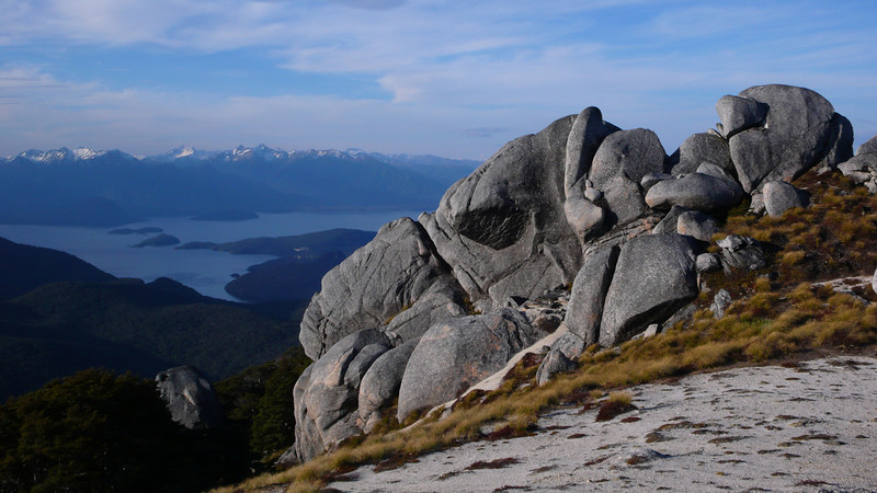 Manapouri and rocks