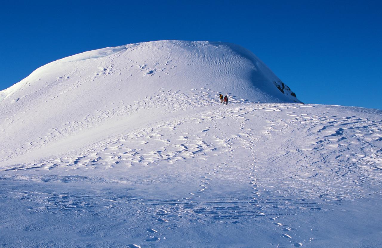 Mt Earle