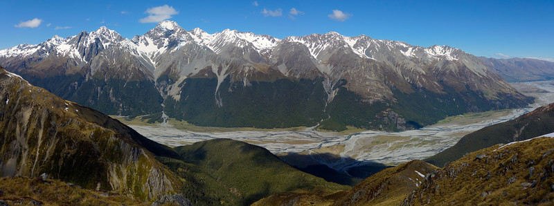 The Hopkins River and Naumann Range from the SE ridge of Boanerges