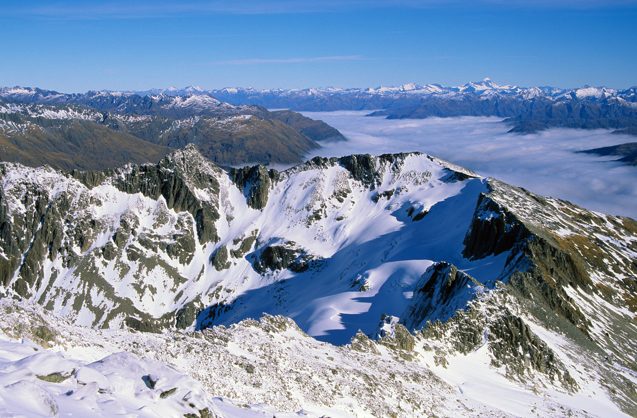 Looking over Mt Kaye into the Makarora from Mt Armstrong