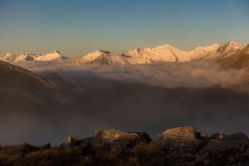 Sunset view from Pt 1258m, Mataketake Range. From left to right are Mt Dechen, Mt Hooker, Eureka, Monro Peak, Weary Summit, Mount Stephenson.