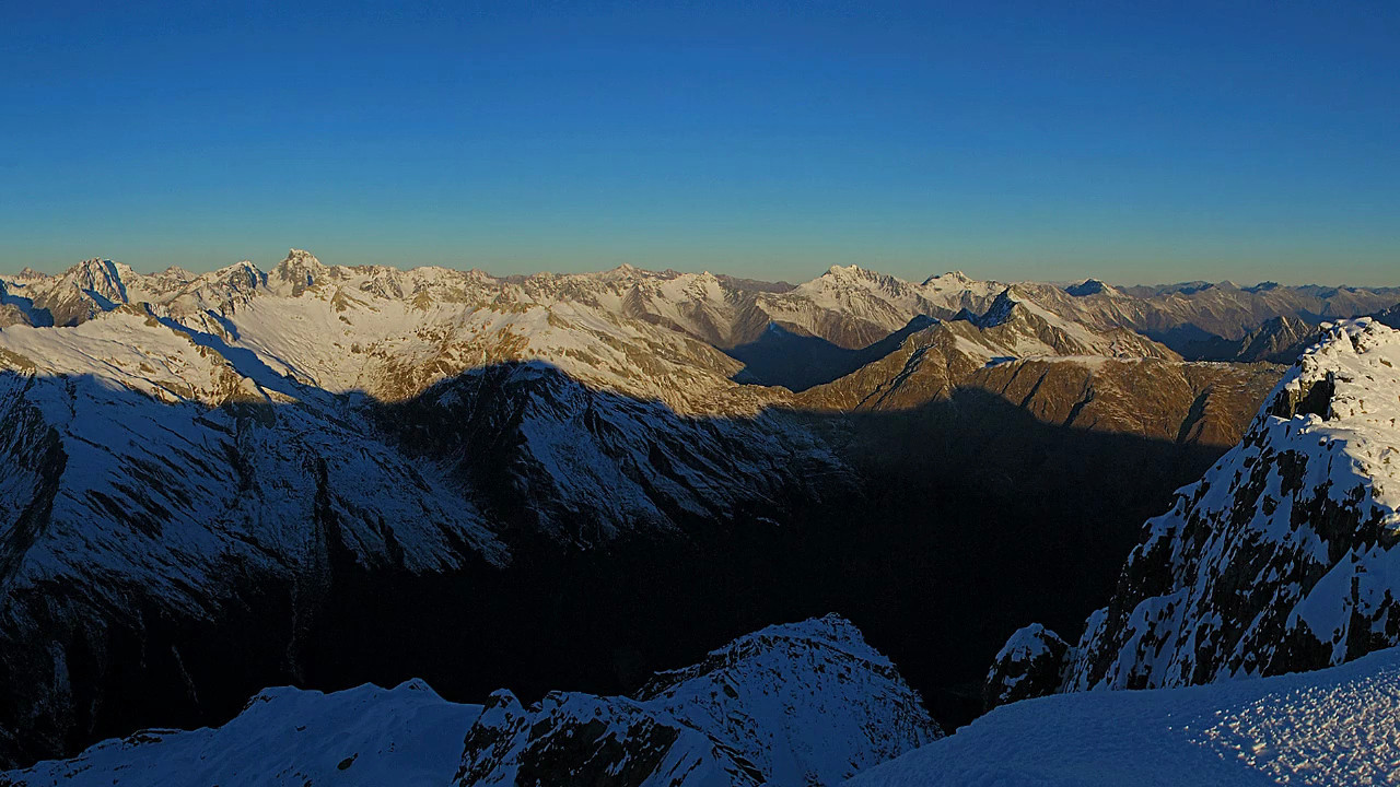 360 degree panorama from the summit of Mount Armstrong. <br /> Soundtrack: Little Fugue in G Minor, by J.S. Bach