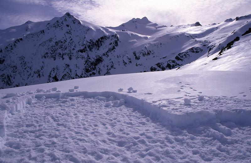 Snow quarry for igloo construction