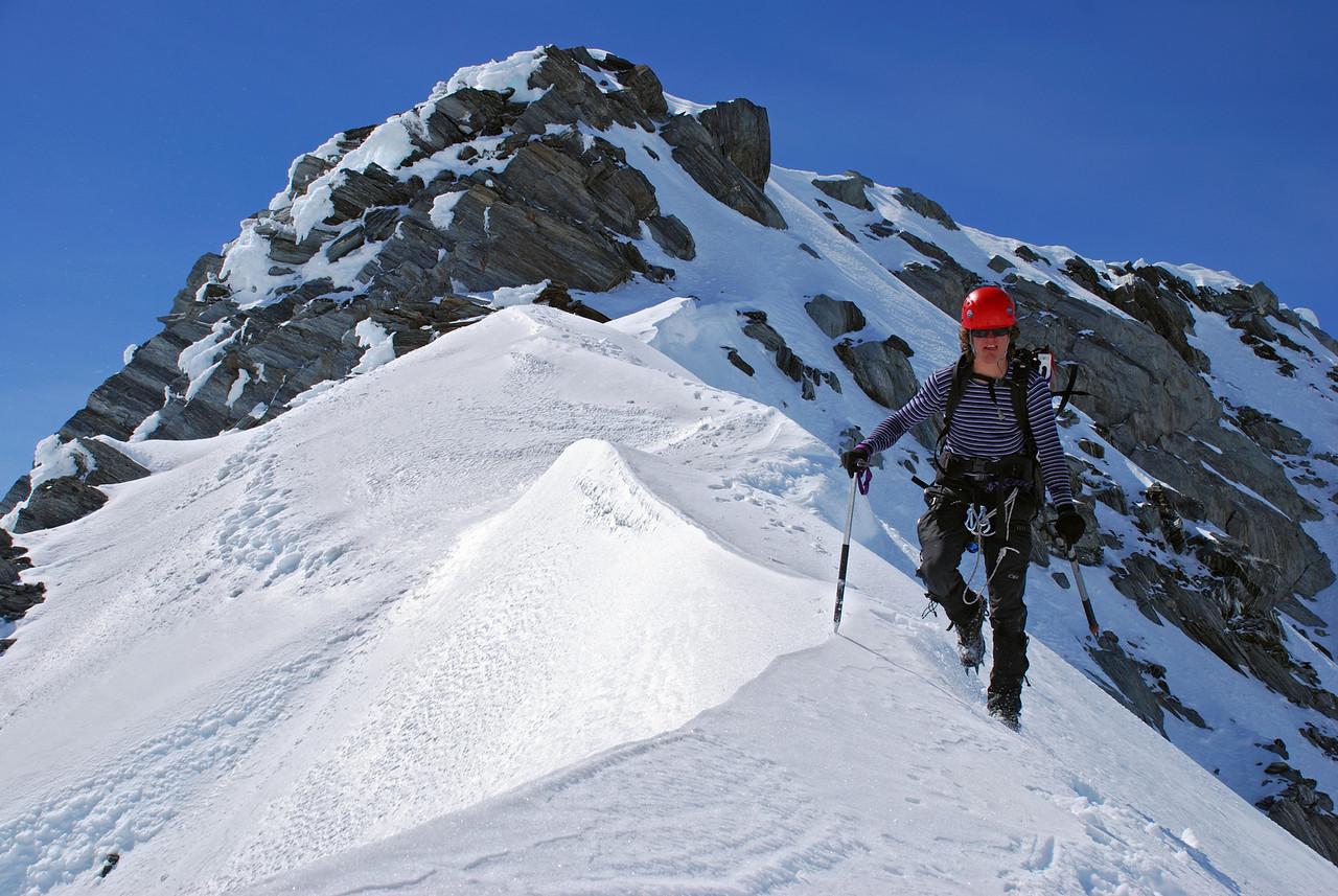 Alexis on Mt Hooker's NW ridge