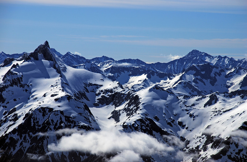 Mt Ward (front left) and the Ben Ohau Range (back) from the summit of Mt Hooker. Dun Fiunary stands out above Elcho Pass and Armistice Peak on the right hand side of the image.